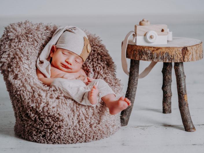 Leonardo Newborn | Love